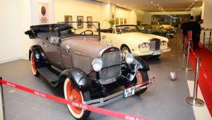 Klasik Otomobiller Sergisi Açıldı