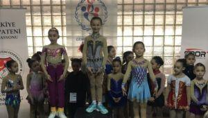 Büyükşehir sporcularından 8 madalya