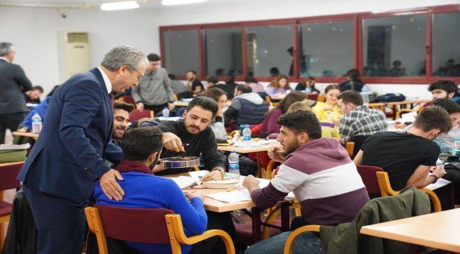 Rektör Budak'tan öğrencilere destek