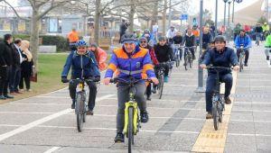 10 kilometre bisiklet sürdü