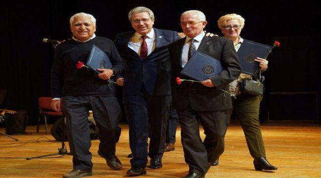EÜ'de emekli olanlara özel tören
