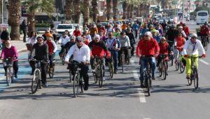 Bisikletçiler Tugay ile pedalladı