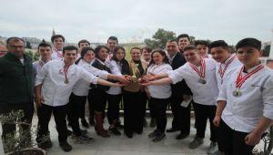 Urlalı genç aşçılar Türkiye üçüncüsü oldu