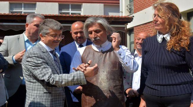 """EÜ'de """"Zihgir Yapımı Atölyesi ve Geleneksel Türk Oku Atışı"""""""