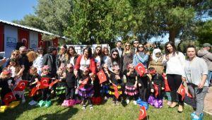 Foça Belediyesi Çocuk Evi'nde Proje Sergisi
