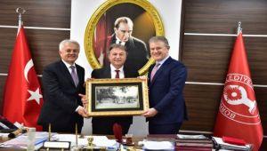 İZTO Başkanından İduğ'a tebrik ziyareti