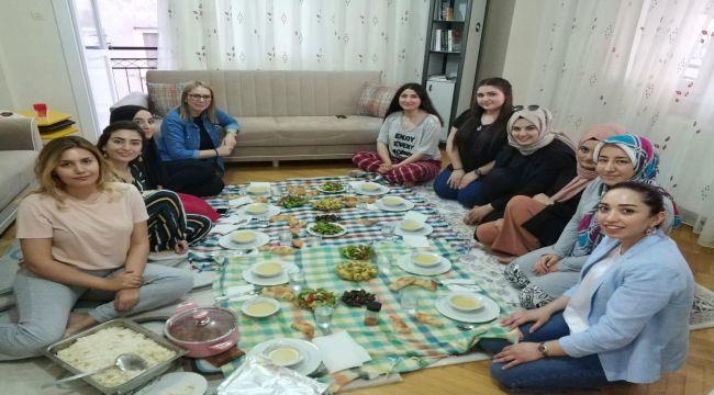 Bölünmez Çankırı öğrencilerle iftar yaptı