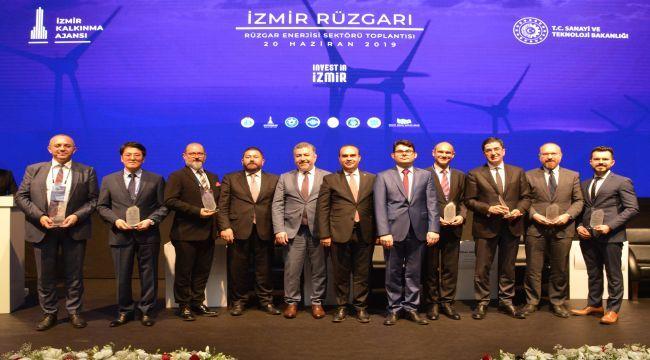 Dünya Devleri Yatırım için İzmir'i Tercih Ediyor