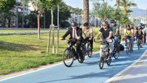 Bisikletli ulaşımda İzmir örnek olacak