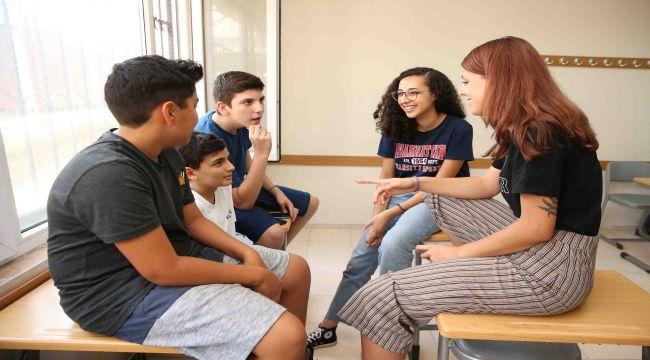 Dünya Gençleri Karşıyaka'da Buluşuyor