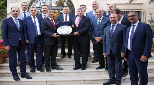 İzmir dünya sahnesinde