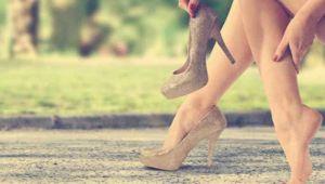 Topuklu Ayakkabı Giyerken Dikkat!
