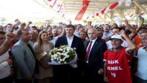 Karşıyaka Belediyesi'nde 'toplu sözleşme' sevinci