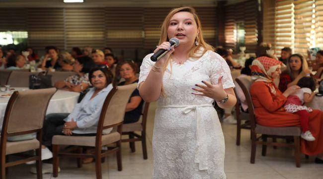 Bayraklı'da annelere aile içi iletişim önerileri