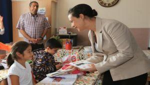 Başkan Sengel, çocukları unutmadı
