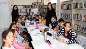 Bayraklı'da liseli öğrencilerden eğitime destek