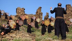 Sazak Köyü, Ahura'nın klibi oldu