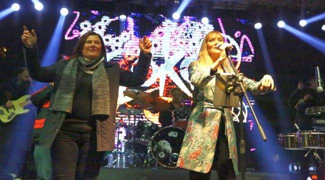 Başkan Çerçioğlu Yeni Yıla Aydınlılarla Birlikte Girdi