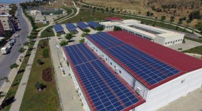 İzmir'de dört tesise daha güneş enerjisi