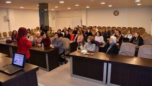 Narlıdere Belediyesi'nden 'Çocuk ve Ebeveyn' semineri