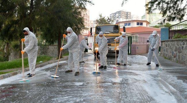 Çiğli'de sokaklar yıkandı