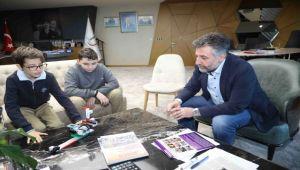Genç mucitlerin 'Yaya geçidi projesi' Bayraklı'da hayata geçiyor