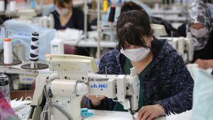 Bucalı kadınlar 25 bin maske üretecek