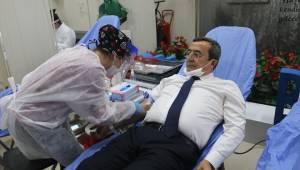 Konak'tan Kızılay'a kan bağışı