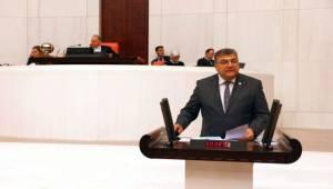 """""""AKP karanlıkta yol alıyor"""""""