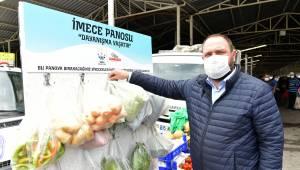 Çiğli'de pazar yerlerine imece panosu