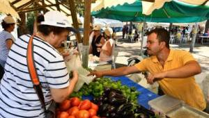 Kültürpark ve Kadifekale üretici pazarları yeniden açılıyor