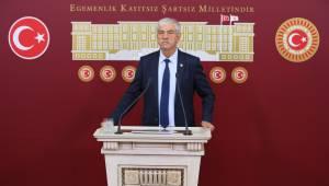 Atatürk'e Dil Uzatanlar Cumhuriyet Kurumlarında Koltuğa Kurulamaz