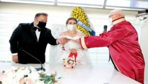 Karabağlar'da nikaha online hazırlık!