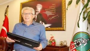 Başkan Eriş'ten uzaktan eğitime destek için çağrı!