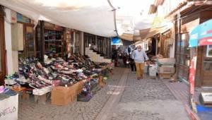 """""""Alışverişini tarihi Arasta'dan yap, esnafına sahip çık"""""""