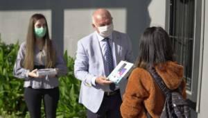 Kemalpaşa'da Öğrencilere Tablet Desteği