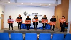 AK Kadın İzmir'den kadına şiddet açıklaması