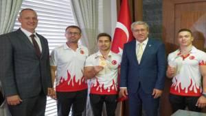 Türk cimnastik tarihine Ege mezunu sporcuların mührü