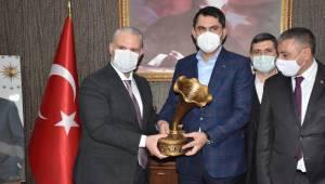 Çevre ve Şehircilik Bakanı Murat Kurum Menemen'deydi