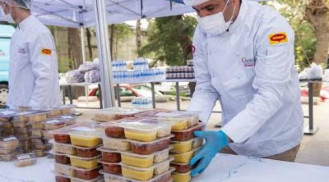 Büyükşehir'den evlere iftar sofrası servisi