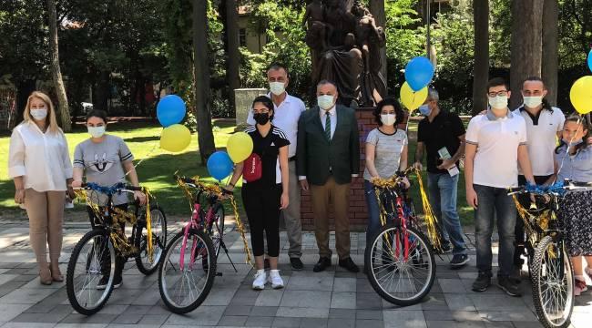 Bucalı gençlere LGS öncesi bisiklet morali