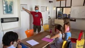 Çocuklar Karikatürlü Ev'de mizahla tanışıyor