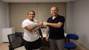 Rekortmen Emel Dereli, Kayropraktikle Olimpiyatlara Koşuyor