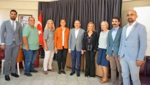 Başkan Sürekli: İzmir Basını Okuyucusuna Güven Veriyor