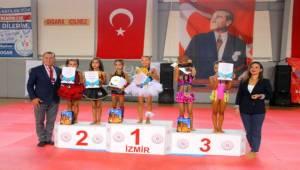 Sporcular Şampiyona Heyecanını Efes Selçuk'ta Yaşadı