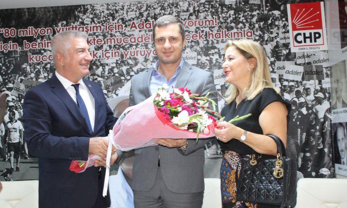 Durak, İzmir Büyükşehir Belediye Başkan Aday Adaylığını Açıkladı